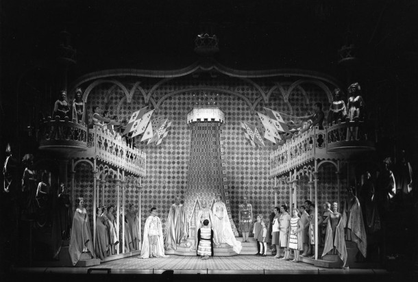 Throne room scene - Camelot