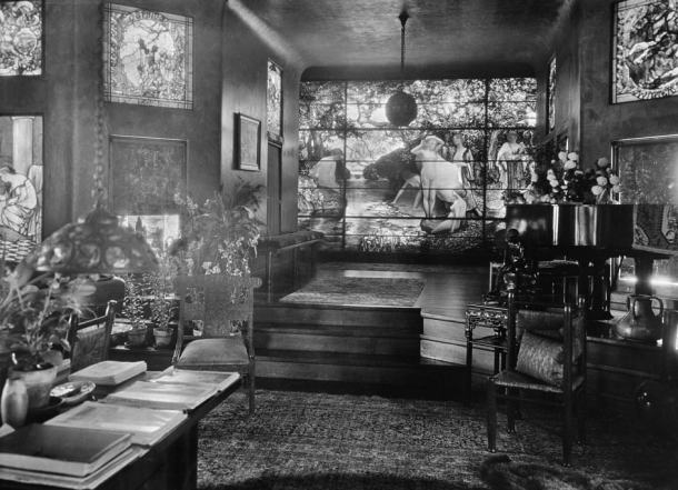 Living Room of Laurelton Hall by Louis Comfort Tiffany (1905)