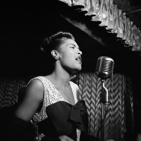 ★ Billie Holiday at the Downbeat Club (1947)