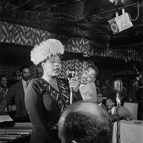 ★ Ella Fitzgerald at the Downbeat Club (1947)