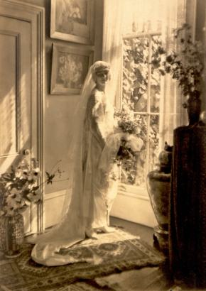 ★ The Bride of 1920 – Between Two Eras