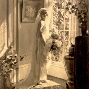 ★ The Bride of 1920 – Between TwoEras